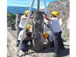 Turista inciampa negli Scavi e fa cadere un'antica colonna