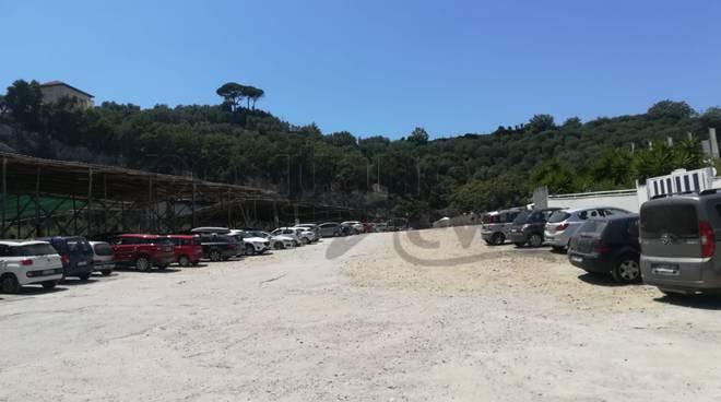 accesso spiaggia puolo pedaggio parcheggio