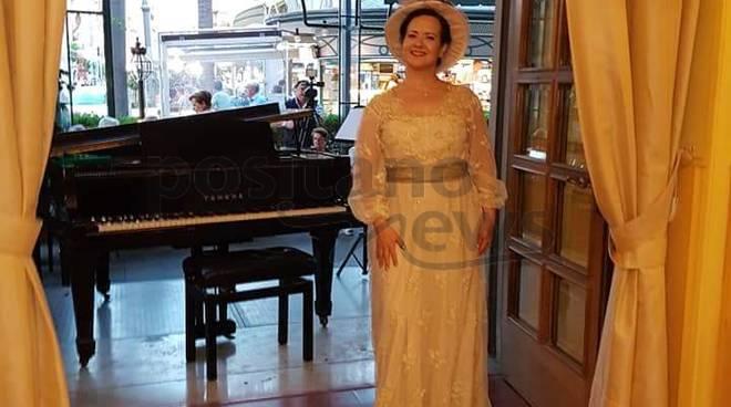 Grande successo del soprano Olga De Maio e del tenore Luca Lupoli per il Recital lirico Bel ed incanto liberty a Sorrento