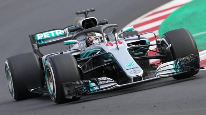 F1: in Ungheria Hamilton in pole, quarta la Ferrari di Vettel
