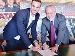 Fabian Ruiz - Meret e Karnezis  firmano con il Napoli