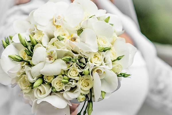 Immagini Di Bouquet Da Sposa.Le Migliori 4 Idee Di Ogni Stagione Per Il Tuo Bouquet Da Sposa