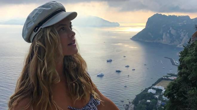 Nina Agdal Capri Nerano Positano