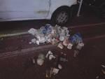 A Piano di Sorrento cumulo di rifiuti a pochi metri da Piazza Cota