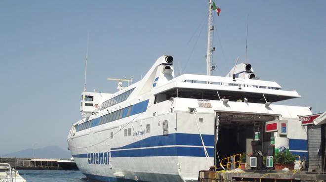 Capri, si chiede l'utilizzo del porto di Castellammare come scalo alternativo in caso di meteo avverso