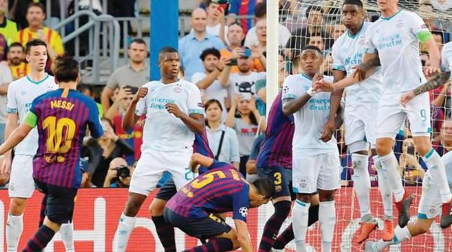 Il Psv può poco contro il Barça e al Camp Nou è show