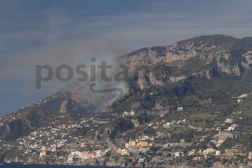 Incendio ad Agerola e Amalfi