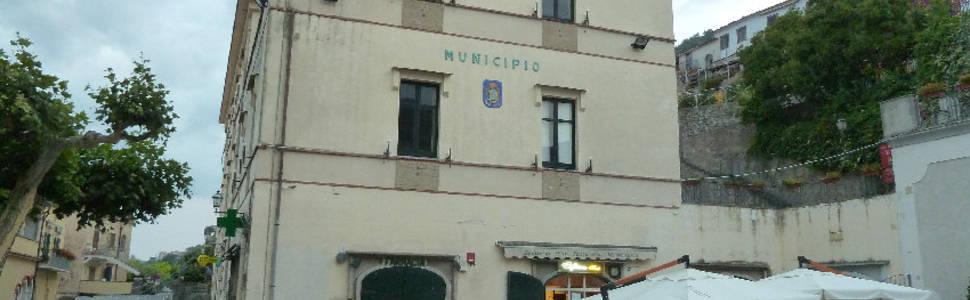 Incontro pubblico per discutere dell'incendio che lo scorso 4 agosto danneggiò il Municipio di Scala
