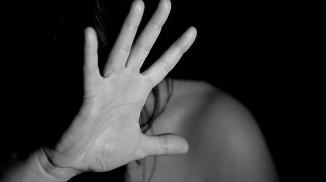 Liberi i tre minorenni che violentarono una 12enne a Castellammare