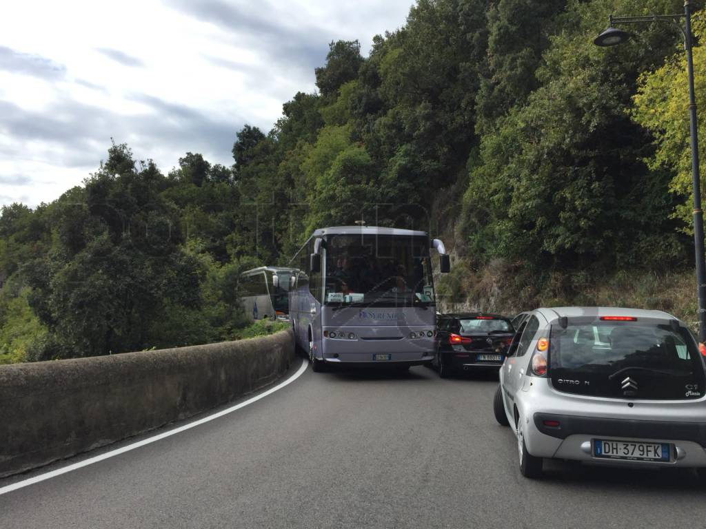 traffico-costiera-amalfitana-amalfitana-3231586