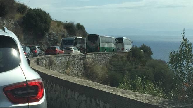 traffico-costiera-amalfitana-amalfitana-3231588