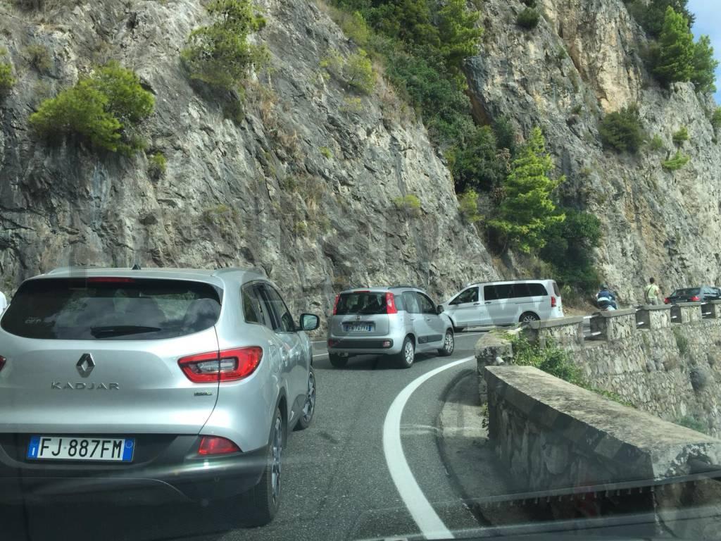 traffico-costiera-amalfitana-amalfitana-3231589