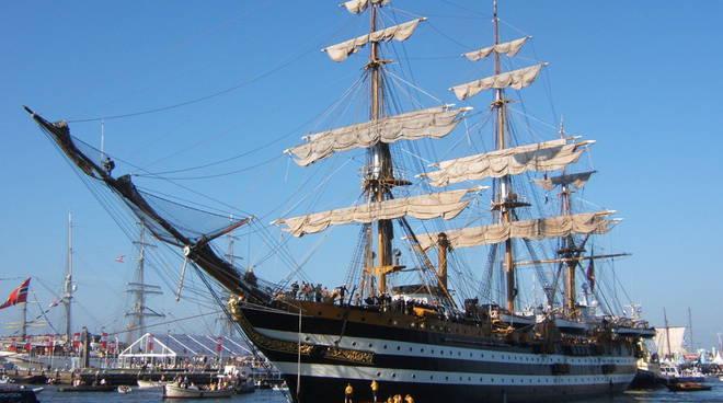 Castellammare di Stabia, il 20 e 21 ottobre torna la nave-scuola Amerigo Vespucci