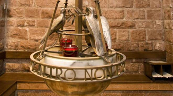 Lampade Ad Olio Per Esterni : La campania dona lolio per la lampada votiva di san francesco ad