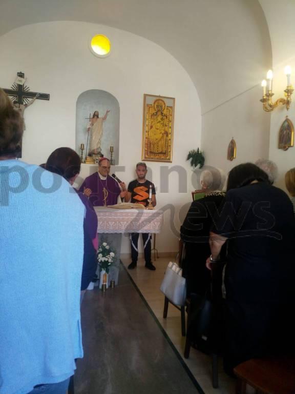 messa-del-vescovo-michele-fusco-al-cimitero-di-positano-3235124