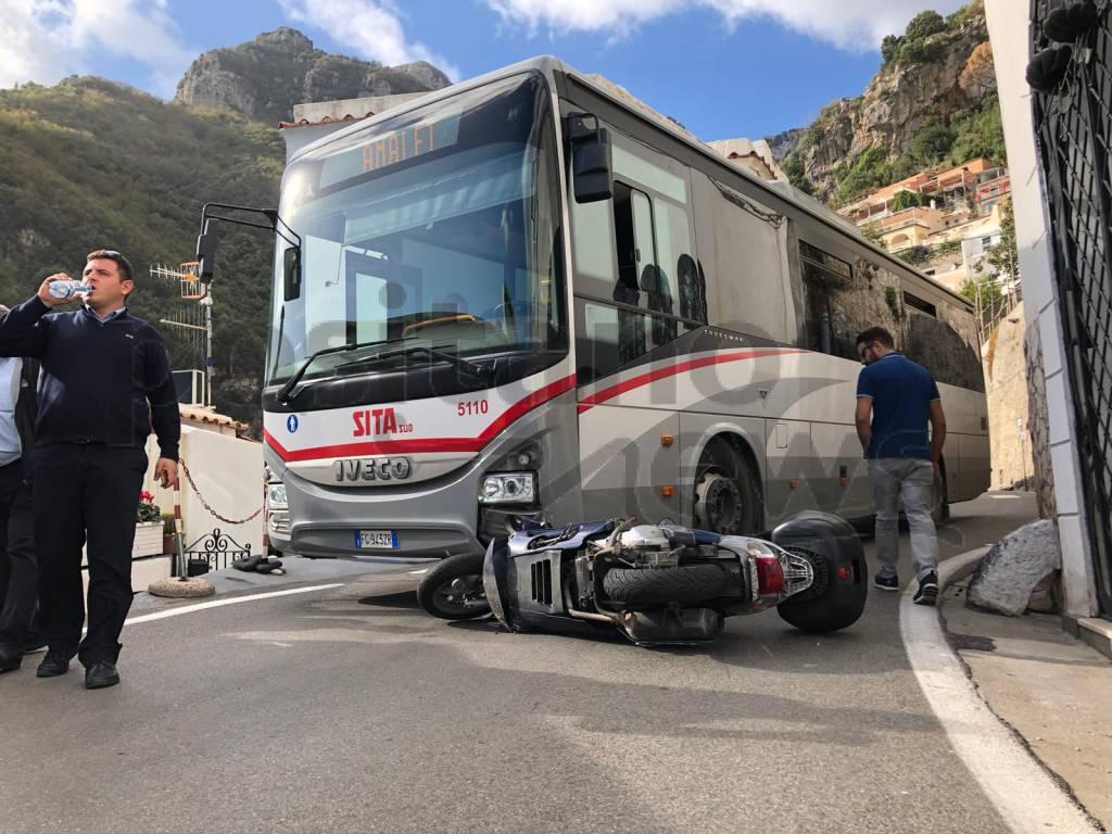 Positano incidente scooter con bus SITA