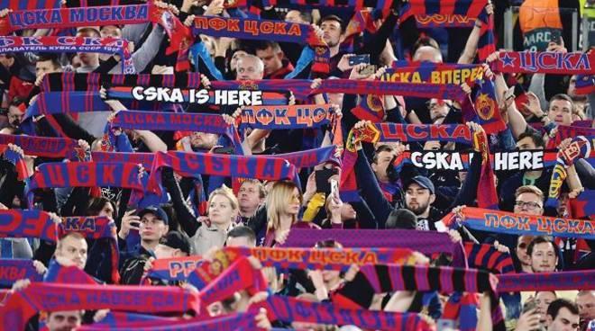 Roma-Cska Mosca due accoltellati fuori dallo stadio