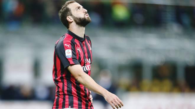Milan, respinto il ricorso: Higuain salterà le sfide contro Lazio e Parma