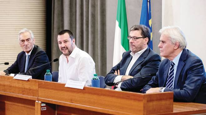 Salvini: «Non militarizzo il calcio machi sbagliafuori a vita»