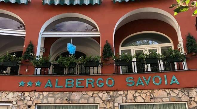 è nato carlo fiocco blu all'hotel savoia