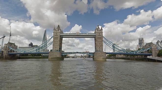 Londra Elevata Presenza Di Cocaina Nel Fiume Tamigi Le Anguille Impazziscono Positanonews