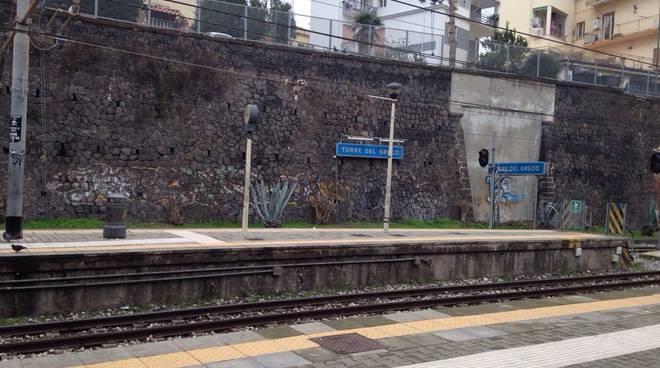 Morte per overdose nella stazione di Torre del Greco