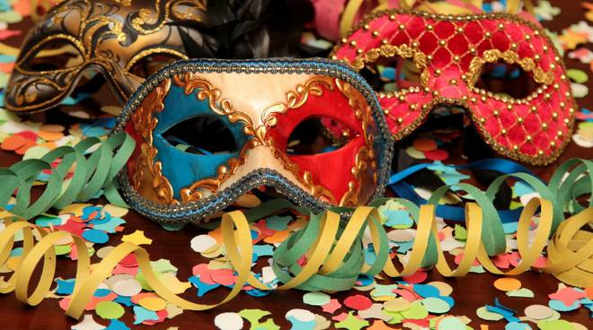 Sequestrate maschere di carnevale