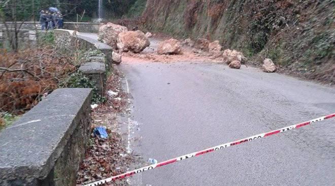 Strada Tramonti-Maiori ancora chiusa