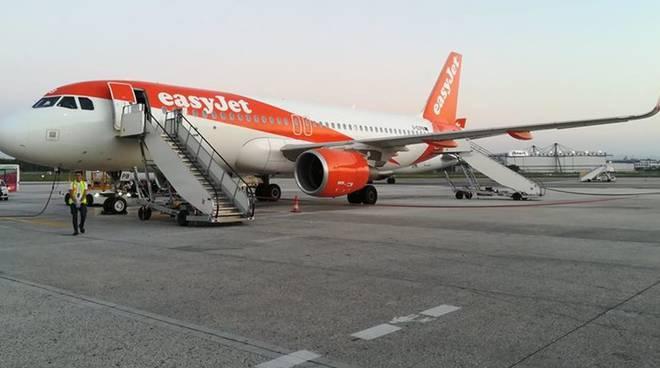 """Easyjet: Aeroporto Costa d'Amalfi """"Si può fare"""""""