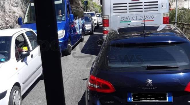 traffico-costiera-amalfi-castiglione-3247432
