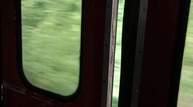 treno distrutto più sicurezza circumvesuviana