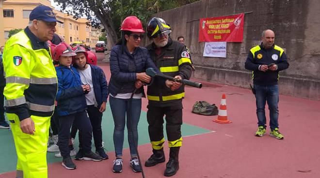 Meta, Pompieropoli: Una giornata in compagnia dei Pompieri per gli studenti dell'Istituto Buonocore Fienga
