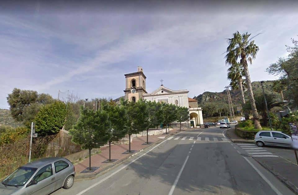 Piano Di Sorrento L Annuncio Del Sindaco Iaccarino Sei Nuovi Alberi Alla Basilica Della Trinita Positanonews