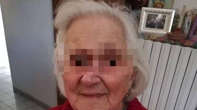 Positano anziana abbandonata