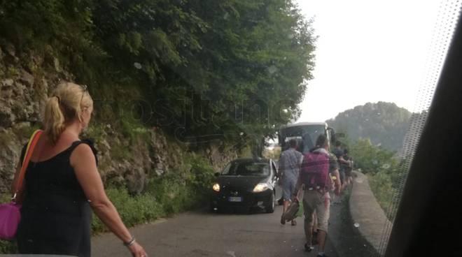 bus bloccato a castiglione