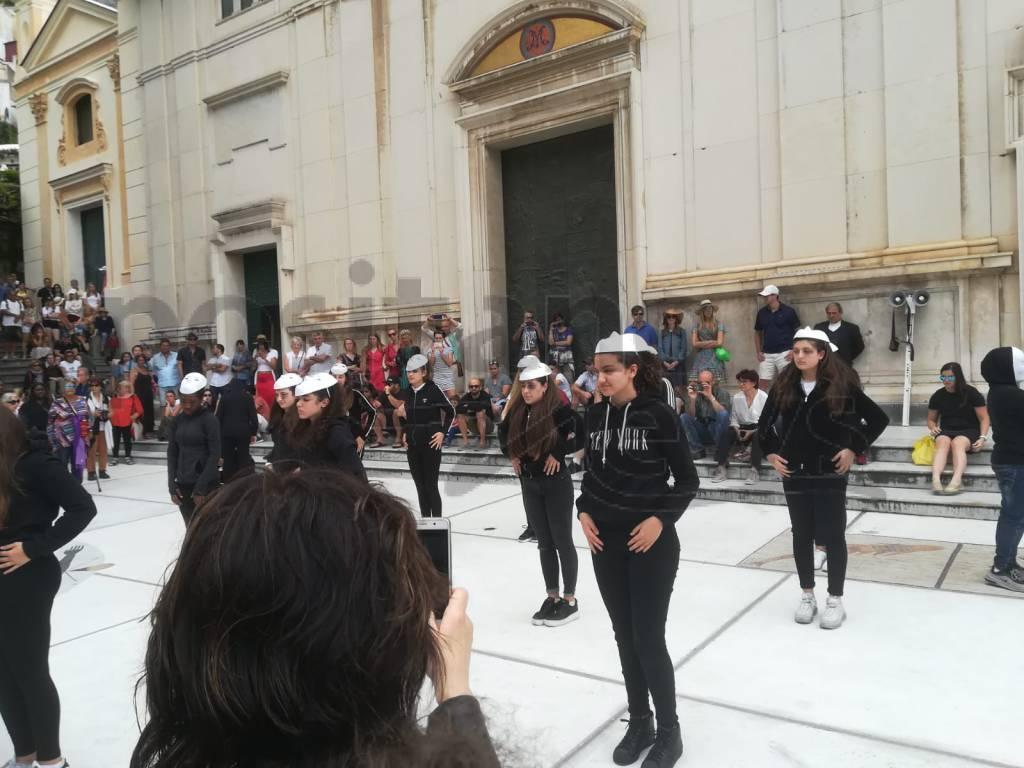 positano-flashmob-contro-la-violenza-sulle-donne-3252132