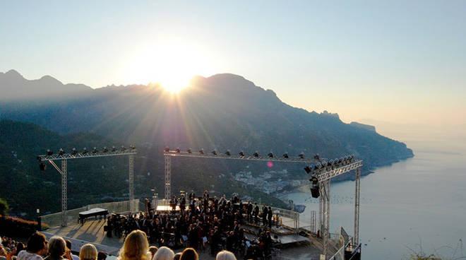 cONCERTO ALL'ALBA:  PASSAGGIO DALLA NOTTE AL GIORNO IN MUSICA