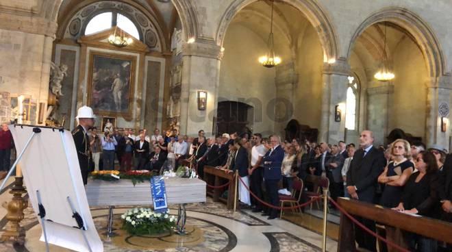 napoli-i-funerali-di-luciano-de-crescenzo-ph-gino-la-gatta-3256158