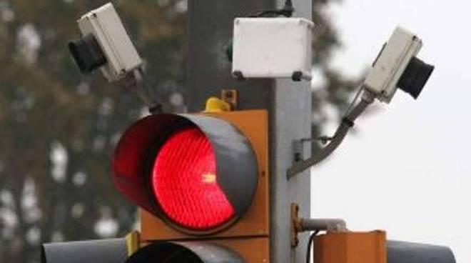 semaforo e videosorveglianza