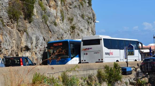 Traffico in costiera amalfitana