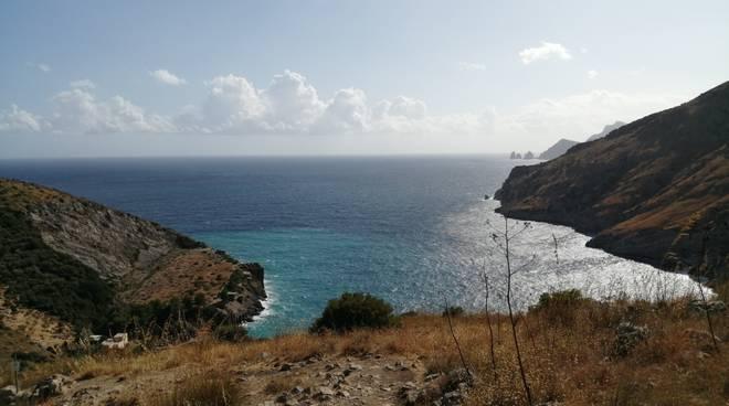 Campania, pescherecci per ripulire il mare.