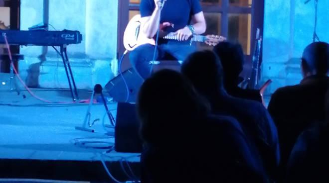 Mirko Gisonte, a Villa Fondi un virtuoso della chitarra.
