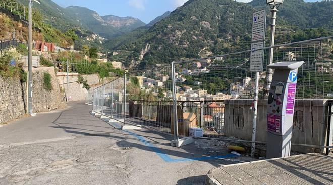 Bonifica dei parapetti stradali lungo via Cesare Carola