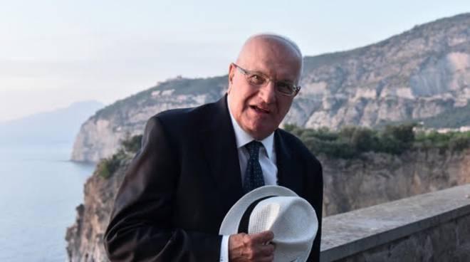 """Premio """"Penisola Sorrentina Arturo Esposito"""" 2019 alla carriera, per la  narrativa, allo scrittore Raffaele Lauro. Cerimonia di consegna, a Roma, al  Teatro Eliseo, mercoledì 9 ottobre - Positanonews"""