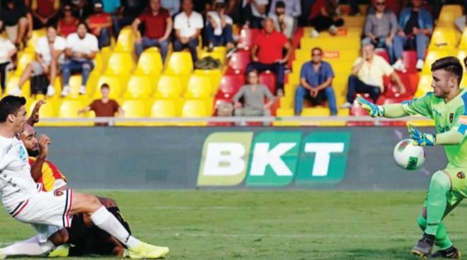 Il Benevento aggancia l'Entella al primo posto -Inzaghi: Bravi a vincere anche una gara sporca