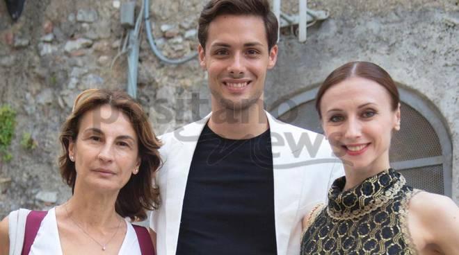 Il direttore Arstistico Laura Valente con Jacopo Tissi e l'etoile Svetlana Zakharova