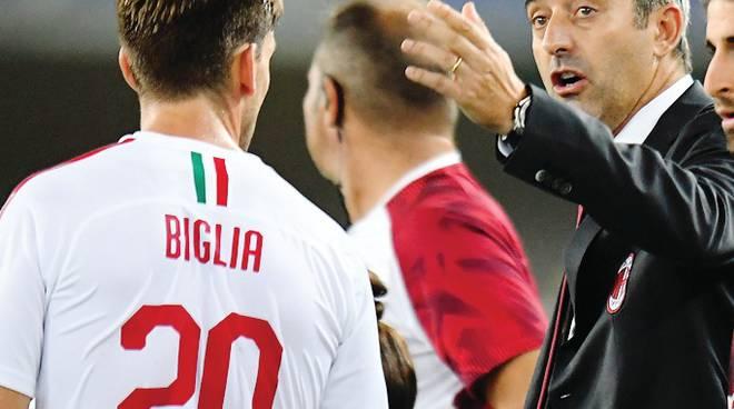Milan che fatica al Bentegodi  Cori a Kessie :vergogna