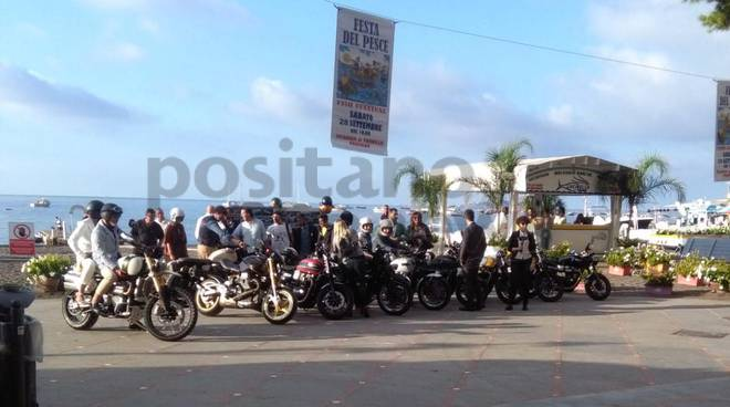 motociclisti positano