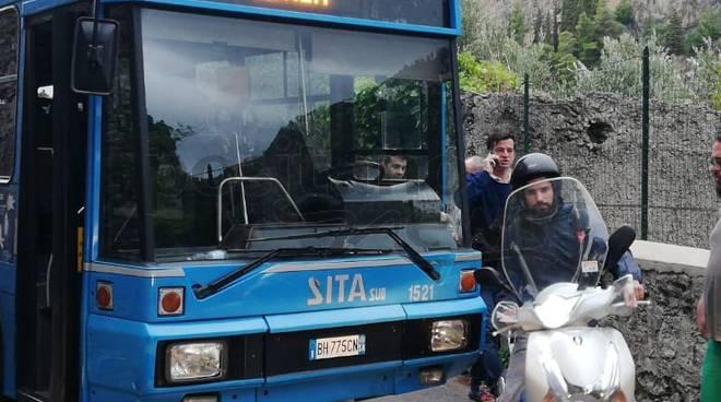 Autobus della SITA guasto a Ravello