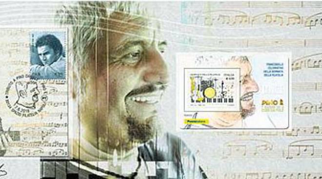 Un francobollo per ricordare Pino Daniele